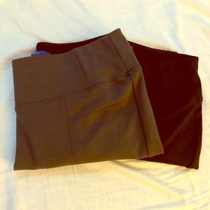 2 pairs of Apt 9 leggings, olive green and black.